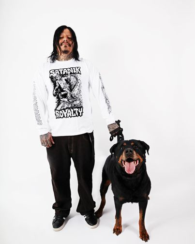 Here are a few photos of the Quincy Quigg – Zombie Dave long sleeve design, modeled by Simon Pantet and Escobar and avai…